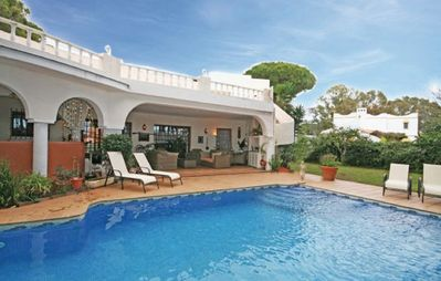 Photo for Gorgeous spacious 6 bedroom villa situation 195m from the beach.