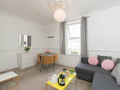 Photo for Modern Apt n/Cabot Circus & Stokes Croft sleeps 4