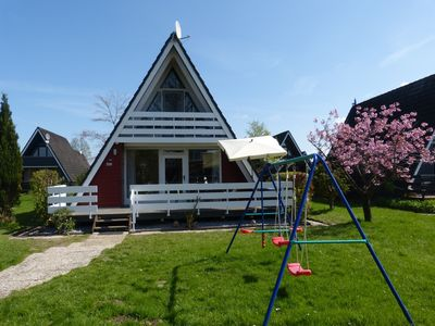 Photo for The family-friendly Villa Linus is located in a holiday park behind the dike