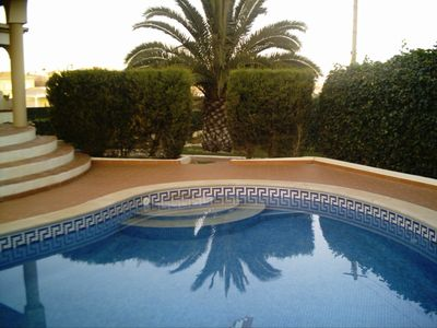 Photo for Spacious apartment in villa, sea view, private pool, 2 air-conditioned bedrooms