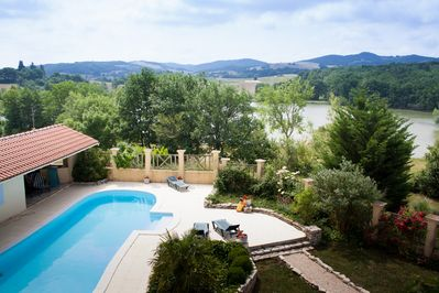 15x5m child friendly heated swimming pool with lake views