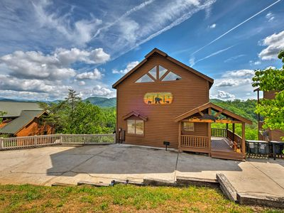 Photo for Pigeon Forge Cabin w/ Incredible Mountain Views!