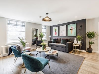 Photo for A LUXURY BOUTIQUE 2-BED PENTHOUSE CHINATOWN