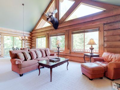 Photo for Airy lodge w/hot tub & wrap-around deck, 1 mile to skiing!