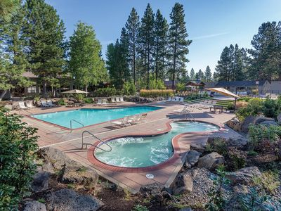 Photo for Bend, OR: 2BR w/Fireplace, Pool, Ice Skating, Stables, Lake, Watersports & More!