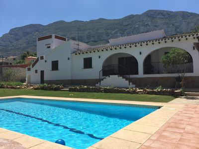 Photo for Large villa with pool and garden in Dénia