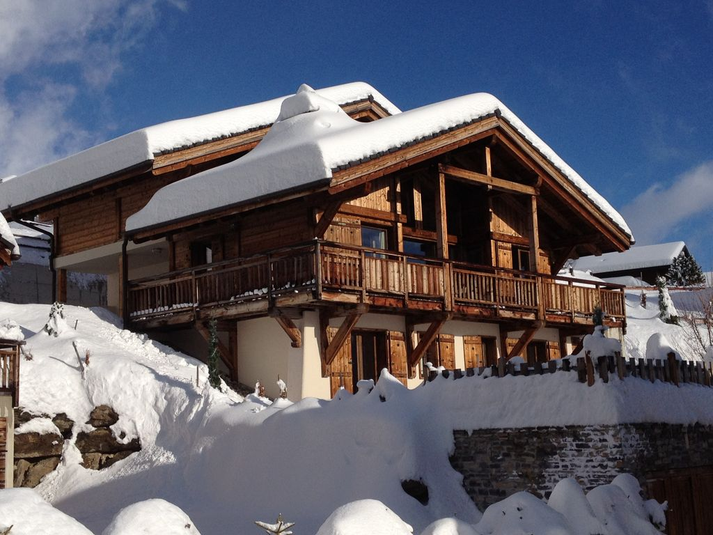 Brand new chalet offers all the modern facilities for all seasons