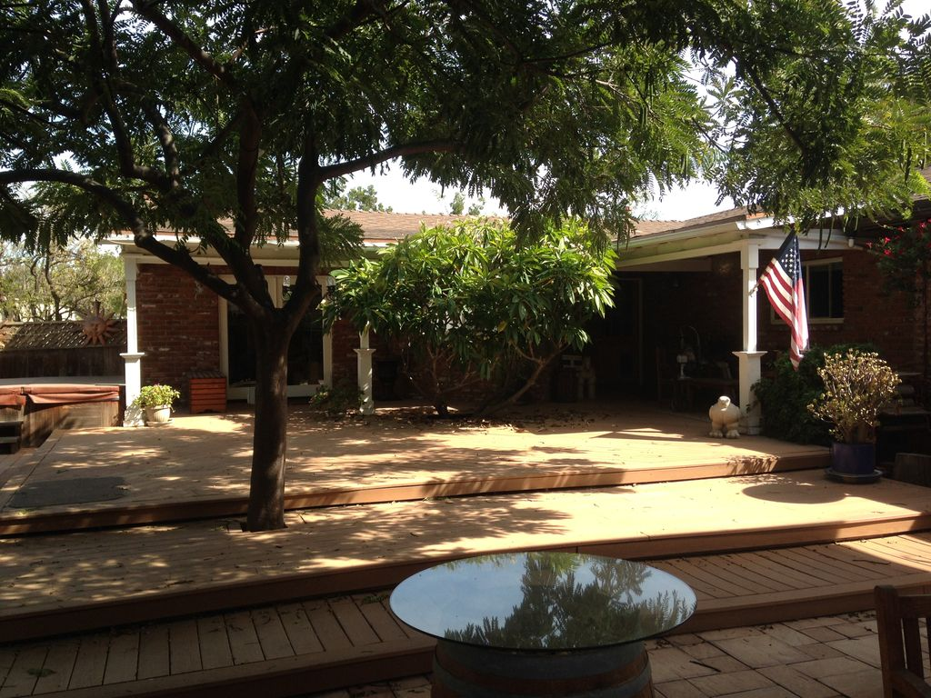 Quiet Guest House With Character in Orange next to Anaheim, Orange County -  Villa Park