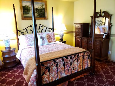 Photo for Moana Lani Bed and Breakfast, RM1, Royal Hawaiian Suite