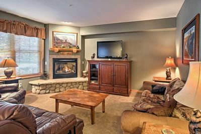 The home comfortably sleeps 8 and has 2 bedrooms and 2 bathrooms.