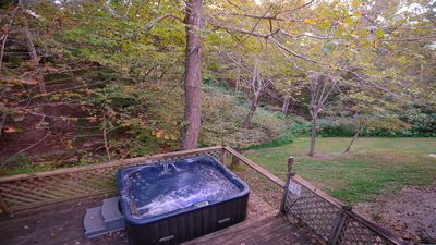 This 4 person hot tube is private to this cottage & is located on the lower deck
