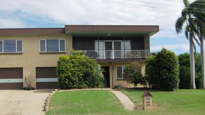 Large 5 bedroom home in an excellent central location in Gladstone.