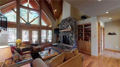 Photo for 56833 Dancing Rock Loop: 4 BR / 3.5 BA home in Bend, Sleeps 10