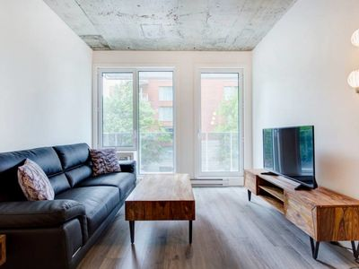 Photo for Calm & Cozy 1BR Le Shaughn @ Central!