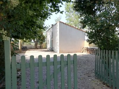 Photo for House in quiet property near Avignon Monteux, season pool