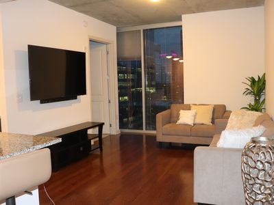 Photo for Gorgeous BUSINESS TRAVEL READY + Stellar ROOFTOP Pool!