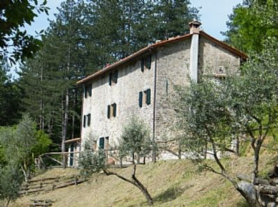 Photo for Charming, Tuscan Farmhouse With 5 Double, Ensuite Bedrooms & Infinity Pool Provi