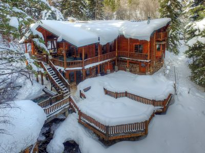 Fabulous cabin for a groups winter getaway, reunion or wedding on the deck.