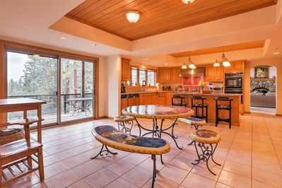 The kitchen area and dining area connect to form the perfect entertainment space.