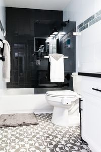 Photo for Newly Renovated Modern & Elegant 1 Bedroom Condo