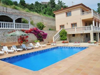 Photo for Fantastic house with private pool in quiet urbanization.