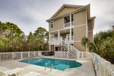 Sand Dollar is located on the Plantation at SGI and is a great vacation spot!