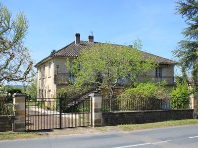 Photo for Detached house with garden, Sarlat