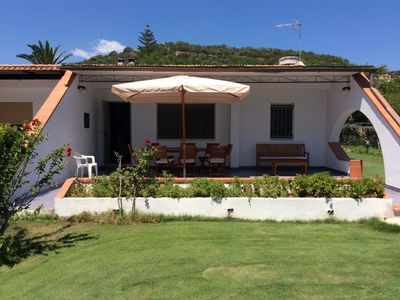 Photo for Sun, sea and relaxation in the villa just 50 meters from the beach