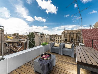 Photo for Two bedroom apartment with solarium on San Peter Church and Sant'Angelo castle