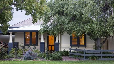 Photo for Echuca House - holiday home for family and friends