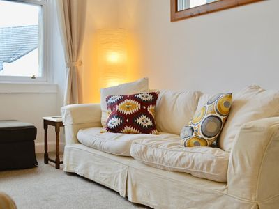 Photo for Bright And Spacious 2 Bedroom Flat Near Leith Shore