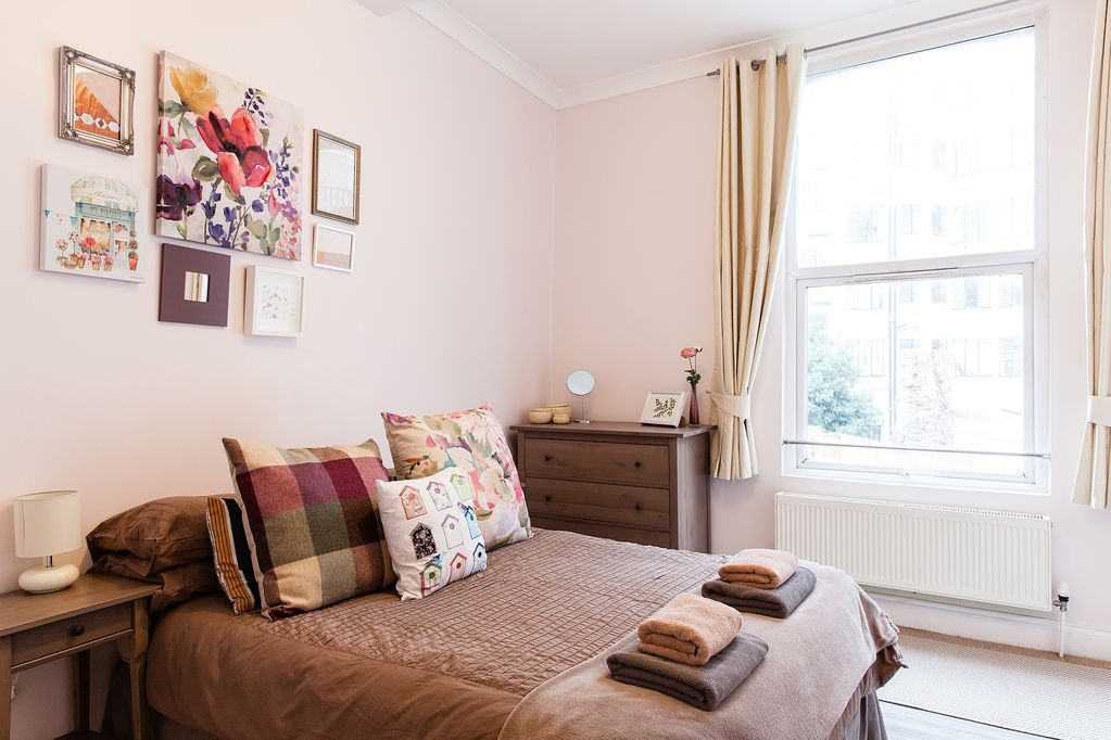 Magnificent Spacious Well Decorated 2 Bed 1 Bath Apt Central Clean Free Wifi Sleeps 6 8 Camden Town With Primrose Hill Interior Design Ideas Lukepblogthenellocom