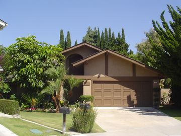 Irvine 3 Bedroom Home With A Large Tropical Yard Great Value Irvine Orange County
