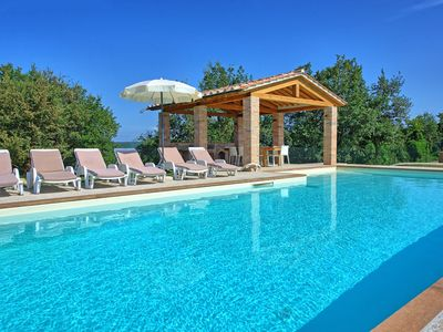 Photo for Private Villa with WIFI, private pool, A/C, TV, terrace, panoramic view, parking, close to Arezzo