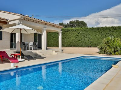 Photo for Detached villa with private pool situated in a typical Provencal landscape