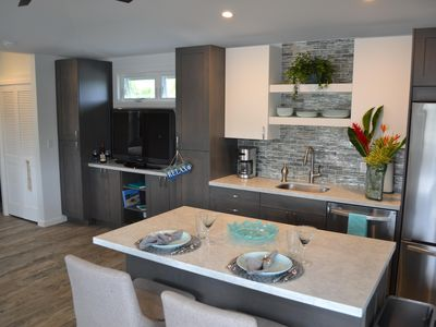 'Kailua Lani Suite' short walk to Kailua Beach. Air conditioned and private.
