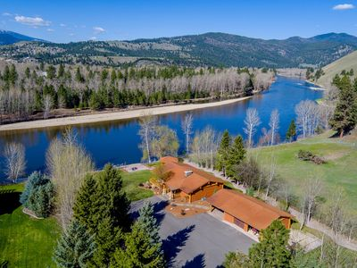 Luxury Rental On The Banks Of The Bitterroot River