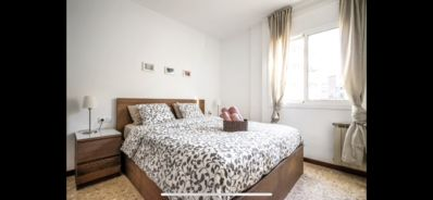 Photo for Great apartment for 8 to 15 'of Sagrada Familia