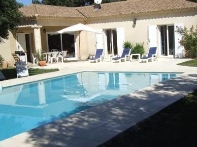 Photo for Quiet villa St Siffret 10 minutes from Uzes