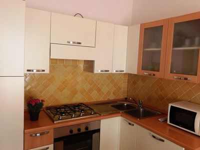 Photo for Cosy apartment for 3 guests with A/C, TV, pets allowed and parking