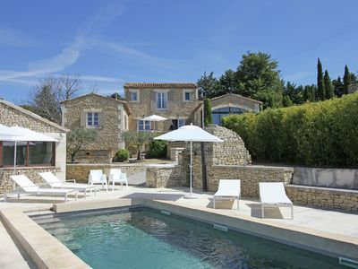 Photo for Beautiful, renovated Bastide with private pool and panoramic views, 3km from Apt