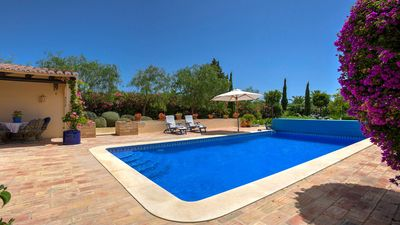 Photo for This stunning four bedroom villa situated on the sought after Carvoeiro Clube complex offers everyth