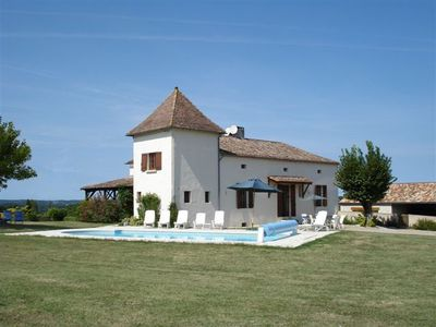 Photo for Superb villa in beautiful location with heated private pool