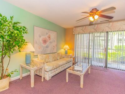 Photo for Golden Era 2 Bedroom 2 Bathroom Ground Level Apartment~ 2 Miles to the Beach! Plantation 29 F
