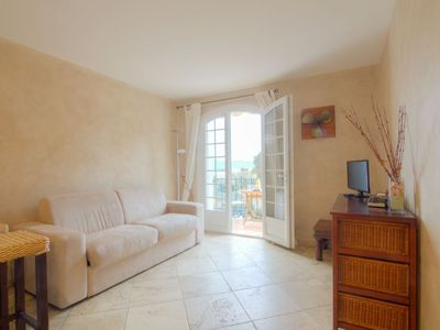Photo for Apartment in the center of Saint-Tropez with Parking, Internet, Washing machine, Balcony (104751)