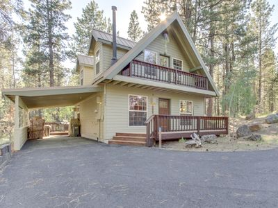Photo for Charming home w/ private hot tub, shared pool & other community amenities!
