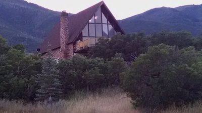 BEST of both; mountains & close to Provo. Relax or have adventure. Sleeps 17-32.