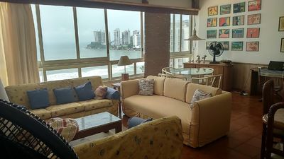 Photo for Pitangueiras sea front apt 200 m² - 2 double suites plus 1 bedroom, wifi