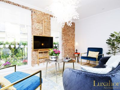 Photo for Comfortable & stylish apartment in central Madrid