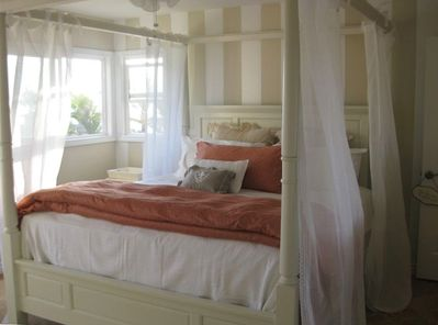 Comfortable King Sized Master Bed with Canopy Sheers! Ocean view!